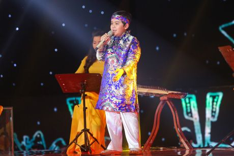 Noo Phuoc Thinh hoa hoc sinh lop 3, song ca voi tro cung - Anh 8