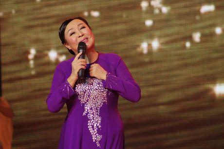 NSND Thu Hien hat vi, giam cung nong dan xu Nghe - Anh 2