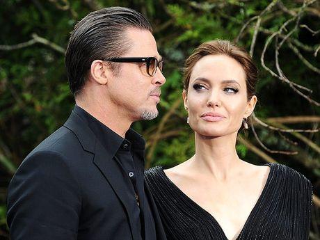 Angelina va Brad lien tuc ban nha sau khi de don ly hon - Anh 3