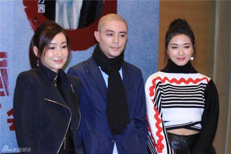 Chong Lam Tam Nhu bi chi trich vi khong bao ve vo o hop bao - Anh 3