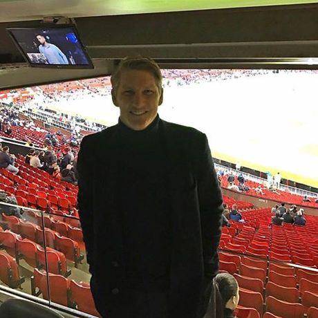 Mourinho lai si nhuc Schweinsteiger - Anh 1