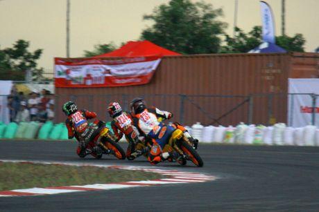 Dua xe Honda o Binh Duong - Anh 10