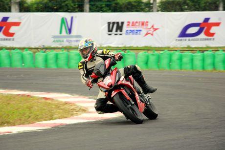 Dua xe Honda o Binh Duong - Anh 3