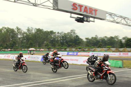 Dua xe Honda o Binh Duong - Anh 7