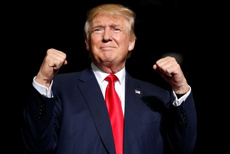 Trump va 'con nghien' phat ngon tren Twitter luc 3h sang - Anh 1