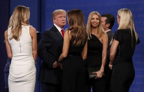 Trump va 'con nghien' phat ngon tren Twitter luc 3h sang - Anh 2
