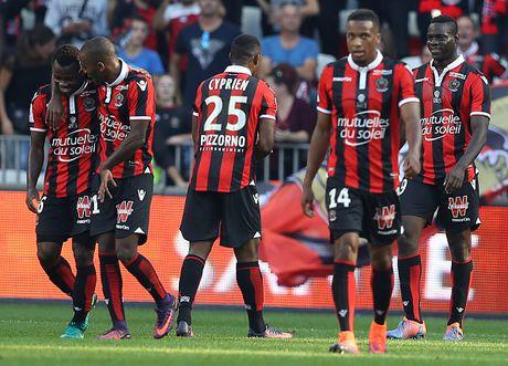 Nice 4-1 Nantes: Balotelli choi hay nhat tran - Anh 2