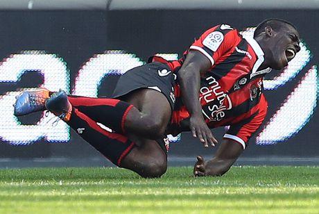 Nice 4-1 Nantes: Balotelli choi hay nhat tran - Anh 3