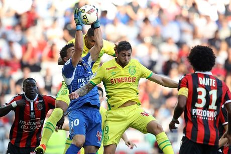 Nice 4-1 Nantes: Balotelli choi hay nhat tran - Anh 4