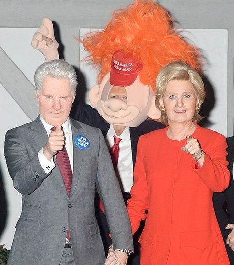 Sao Hollywood hoa than thanh Hillary Clinton va Donald Trump trong tiec ma quy - Anh 4