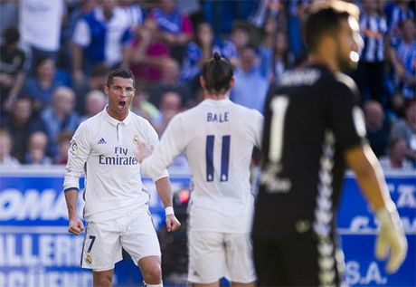 Ronaldo dat moc son moi tren bang thanh tich ghi ban - Anh 1