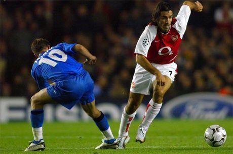 Robert Pires va hoi uc ve mot Arsenal bat bai - Anh 2