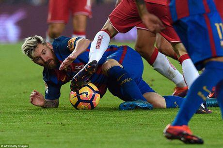 Barca thang toi thieu Granada, Enrique phai 'giai trinh' - Anh 2