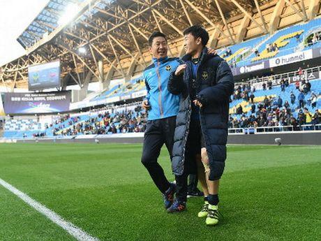 Xuan Truong quan trong voi Incheon, Cong Phuong va Tuan Anh ve som - Anh 1