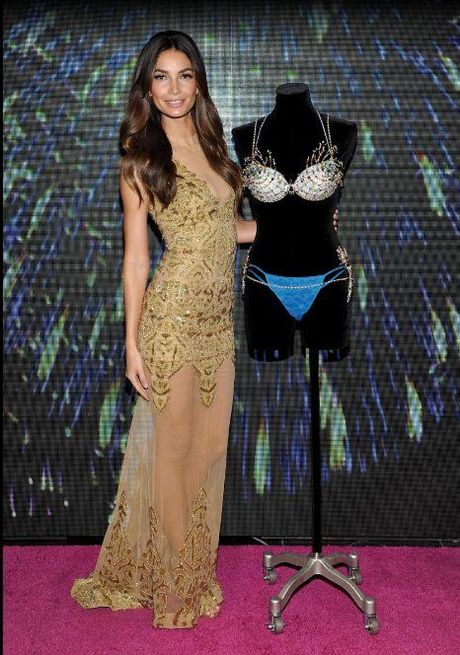 Ngam tron bo anh 'Fantasy Bra' tram ty cua show dien noi y dinh dam Victoria's Secret qua cac nam - Anh 3
