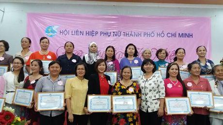 Hoi LHPN TP.HCM: To chuc giao luu cac Ban chu nhiem Cau lac bo Xay dung gia dinh hanh phuc - Anh 4