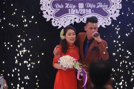 Hiep 'ga' hanh phuc don con trai chao doi sau van den cho vo di de gay tai nan - Anh 3