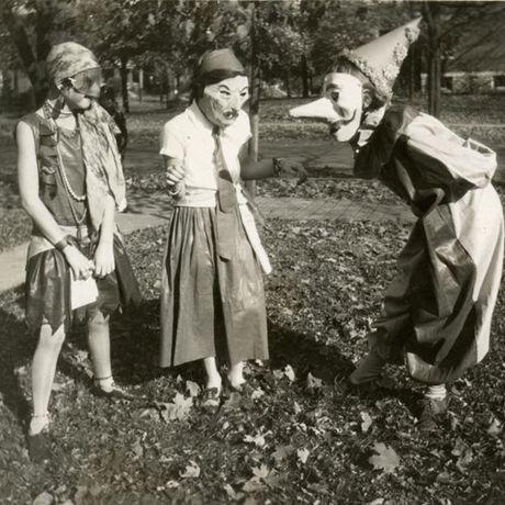 Thoi trang Halloween cho tre em o the ky 20 - Anh 3