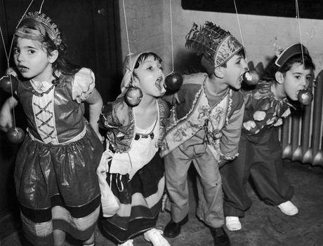 Thoi trang Halloween cho tre em o the ky 20 - Anh 5