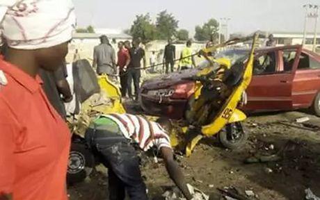 Nigeria: Danh bom kep lam 9 nguoi chet, 24 nguoi bi thuong - Anh 1