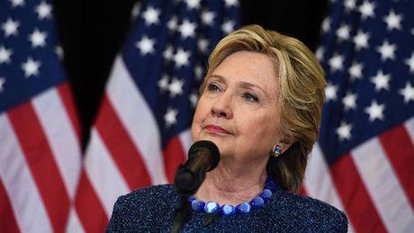 FBI dieu tra cac thu dien tu cua tro ly cho ba Hillary Clinton - Anh 1