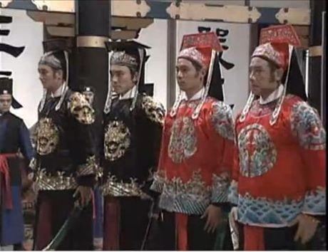 Doi lan dan cua dan sao Bao Cong: Co don, bao benh - Anh 3