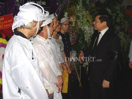 Doan dai bieu TU Hoi NDVN vieng le tang dong chi Nguyen Van Chinh - Anh 7