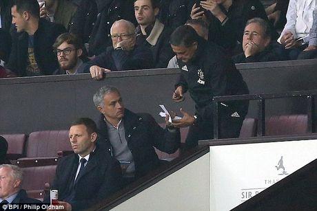 Doi dien an phat cua FA, Jose Mourinho nguy co lon lo tran dai chien voi Arsenal - Anh 3