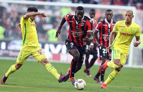 Balotelli lai sang, Nice giu chac ngoi dau Ligue 1 - Anh 6