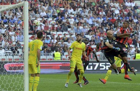 Balotelli lai sang, Nice giu chac ngoi dau Ligue 1 - Anh 7
