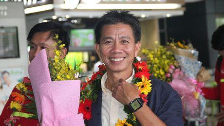 "HLV Hoang Anh Tuan: ""Toi hanh dien ve cac hoc tro cua minh"" - Anh 1"