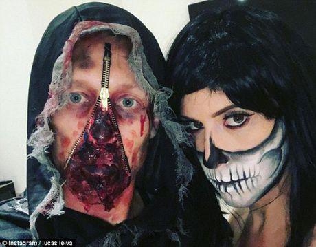 Ghe ron anh sao bong da don Halloween - Anh 2