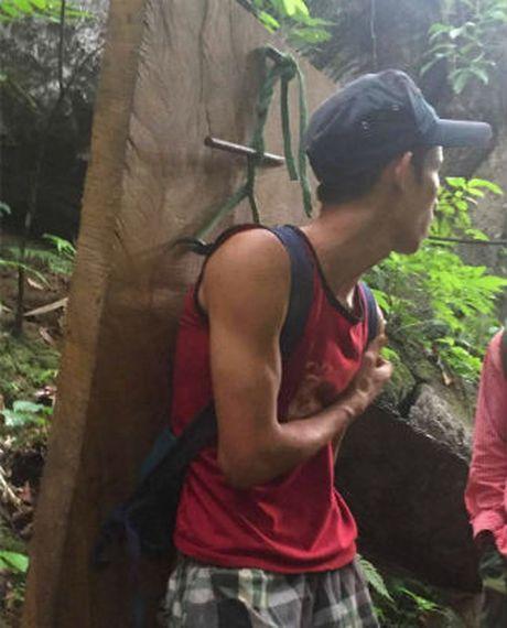 'Lam tac' tan pha rung dem Di san Phong Nha: Duong di ngap go lau - Anh 2