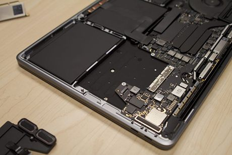MacBook Pro gia re nhat co the nang cap SSD - Anh 1