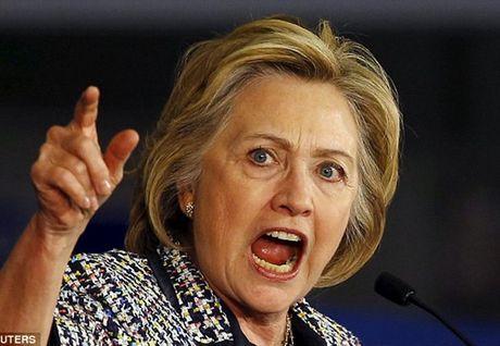 Tin the gioi cuoi ngay: Ba Clinton bat binh vi quyet dinh dieu tra cua FBI - Anh 1