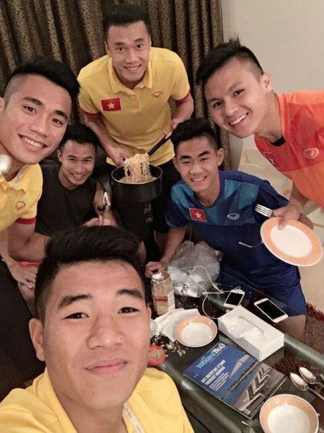 """""""Nhoi long"""" truoc bua com cua U19 Viet Nam - Anh 3"""