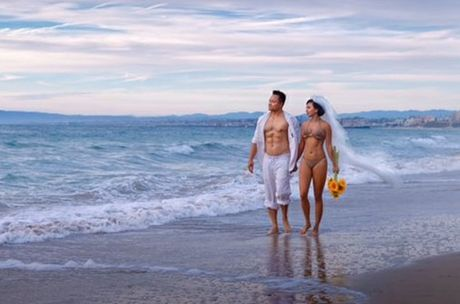 Ban gai cu cua Ly Hung 'tao bao' khi chup anh cuoi voi bikini mong manh - Anh 3