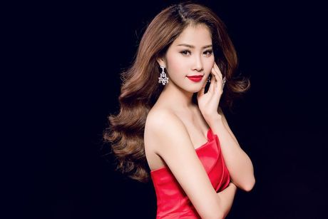 Nam Em va nhung bo bikini 'dot mat' nguoi xem khi tham du Miss Earth 2016 - Anh 2