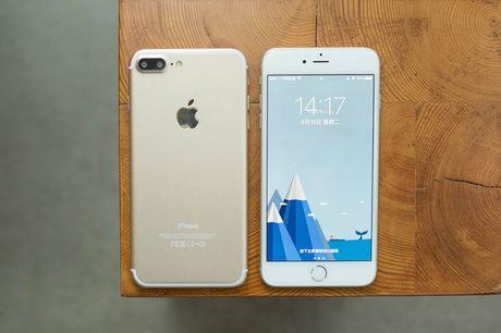 Gia iPhone 7 va Iphone 7 plus xach tay tiep tuc giam sau - Anh 1