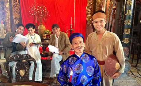 Nghe si Pham Bang an tuong voi cac vai dien de rau - Anh 10