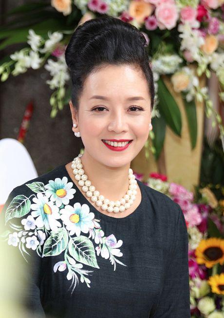 Chieu Xuan khoe nhan sac man ma - Anh 2