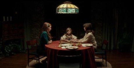 """Ouija 2016: """"Goi hon"""" gia tri gia dinh va nen kinh te - Anh 2"""