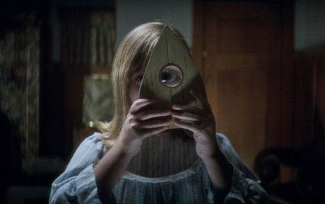 """Ouija 2016: """"Goi hon"""" gia tri gia dinh va nen kinh te - Anh 4"""
