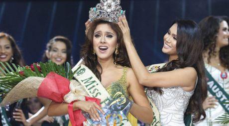 Miss Earth 2016 - Katherine Espin bi to 'qua dem' voi nha tai tro - Anh 1