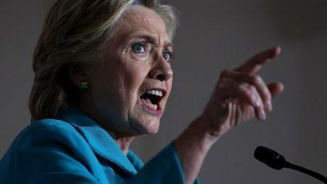 Ban tranh cu cua ba Hillary Clinton len an viec FBI dieu tra vu email - Anh 1
