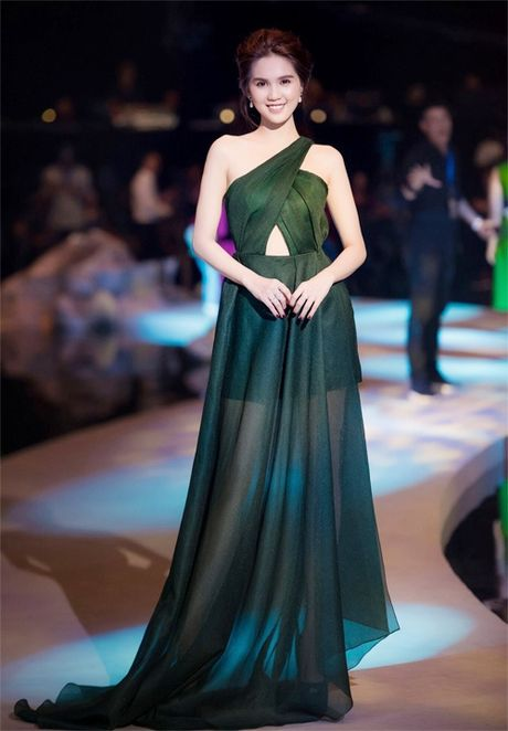 Pham Huong, Ky Duyen long lay, sexy het co - Anh 2