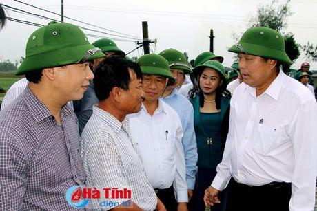 Pho Thu tuong Truong Hoa Binh kiem tra cong tac boi thuong thiet hai su co moi truong bien - Anh 1