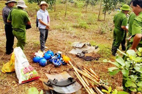 Cuc Canh sat hinh su dieu tra vu xa sung 3 nguoi chet o Dak Nong - Anh 1