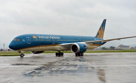 Tin moi vu 34 hanh khach di may bay Vietnam Airlines nghi ngo doc - Anh 1