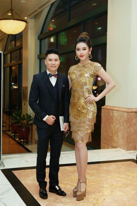 "A hau Huyen My toa sang tai Show thoi trang ""Man and Blue"" Phan Nguyen - Anh 3"